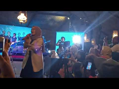 Download YA RASULALLAH SALAMUN ALAIK - NOT TUJUH Live MINI KONSER at JOGJAKARTA Mp4 baru