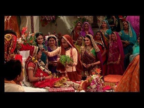 Ganga's Baby Shower In Balika Vadhu video