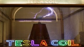 Tesla Coil Demonstration and Explanation at Griffith Observatory