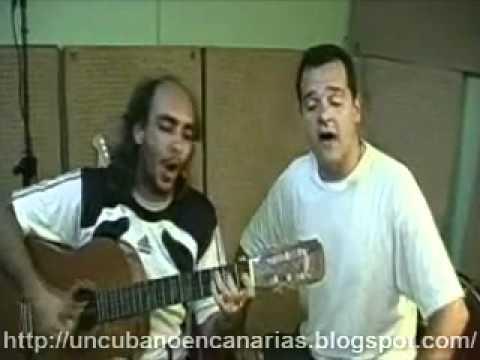 """Ciro de """"Porno para Ricardo"""" y Carlos Hernando cantando """"Usted Comandante"""". #Cuba"""