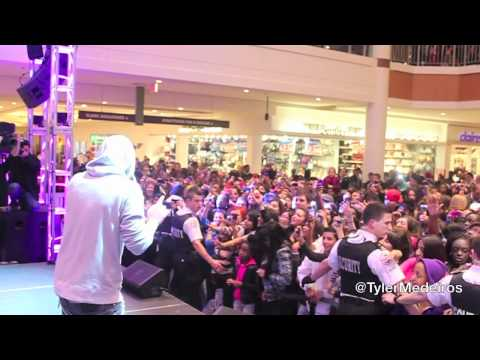 TYLER MEDEIROS PERFORMING WITH DANNY FERNANDES AT BRAMALEA CITY CENTRE