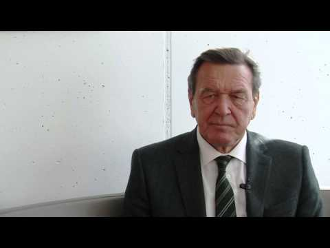 Gerhard Schröder: Nicht überrascht über NSA Überwachung