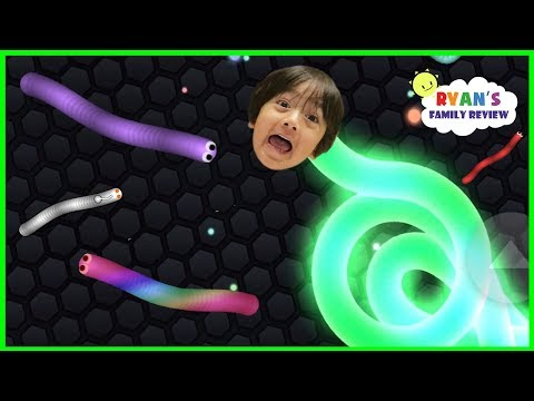 Let's Play Mega Fun Slither io Game with Ryan's Family Review