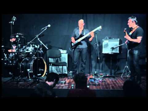 BROOKLYN HIGH - NOSSO TRIO Cover en trio SWEATY KNOCKERS.