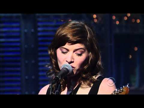 (HD) Best Coast - &quot;Each and Every Day&quot; 1/31 Letterman (TheAudioPerv.com)