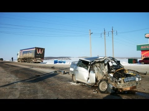 Driving In Russia Car Crash January 2013 4th Compilation (Part 8)