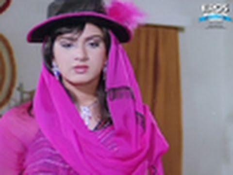 Rajnikanth Tries To Impress Meenakshi Sheshadri - Bewafai