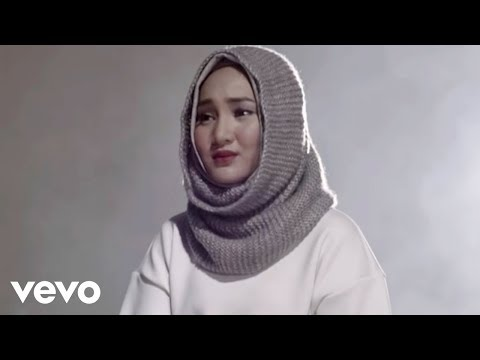 Fatin - Salahkah Aku Terlalu Mencintaimu (Video Clip)