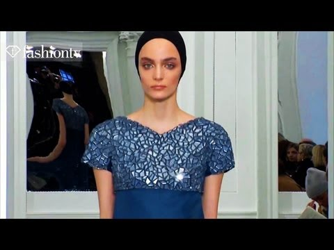 Victoria Beckham Runway Show - New York Fashion Week Fall 2011 NYFW | FashionTV - FTV
