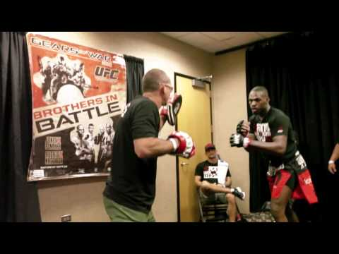 Dana White UFC 136 VLOG DAY 1