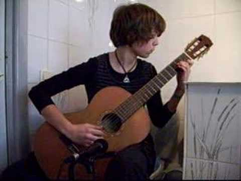 My version of the beautiful song from Eva Cassidy, Autumn Leaves. This video is dedicated to Maartje Duin! :) http://www.maartjeduin.nl/?p=214 http://www.maa...