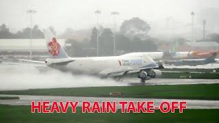 Máy bay khổng lồ cất cánh trong mưa lớn tại Sài Gòn (Subtitles).