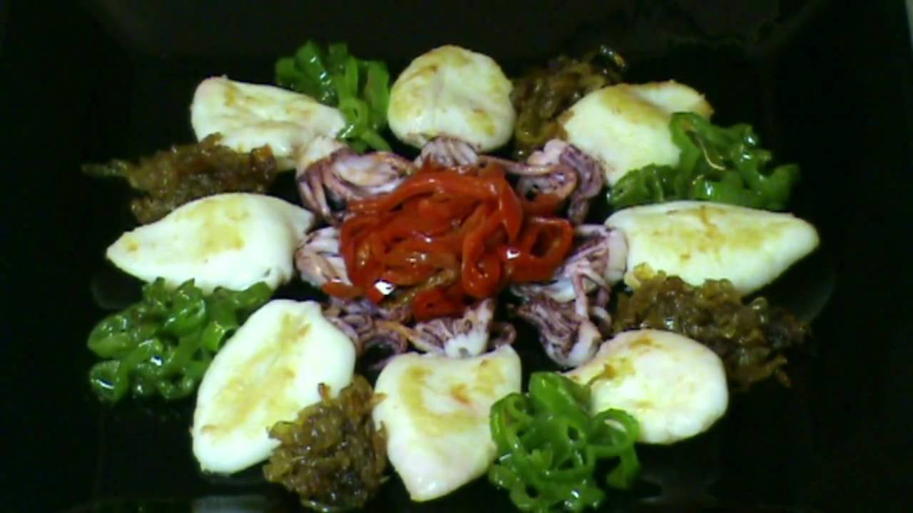 Cocinar para los amigos calamares a la plancha youtube for Cocinar para los amigos