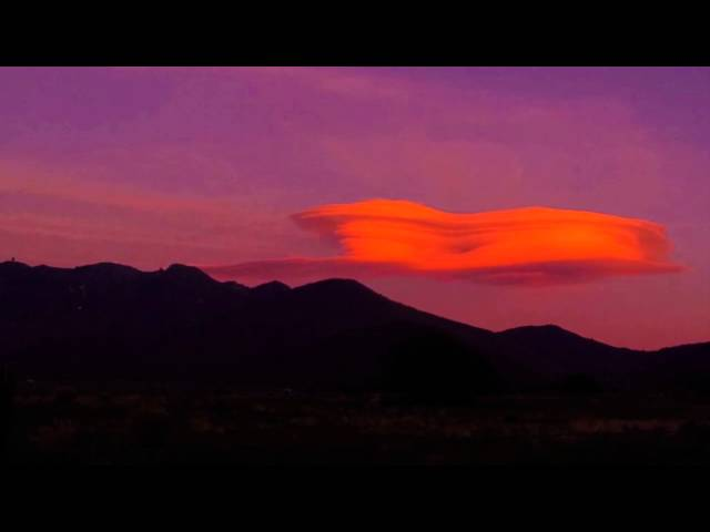 UFO MOTHERSHIP OVER THE SIERRAS - Lenticular Cloud Time Lapse - Filmed by Michael Cuffe - 2015