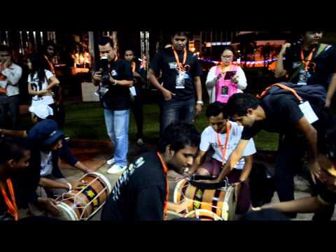 Shinaa Teaching Boduberu Beats (harubee ,world Drum Festival .malaysia Perak video