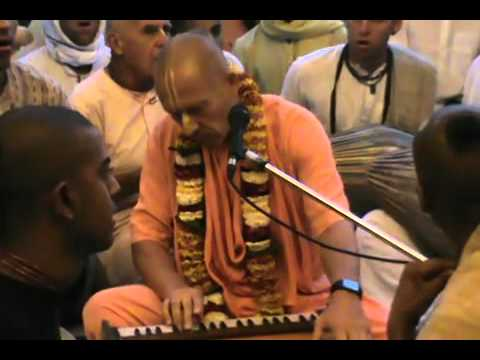 Iskcon Vrindavan Evening Kirtan,  11 March 2012 video