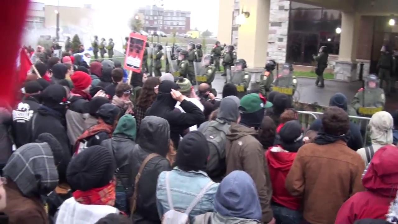 CUTV Vido exclusive de la brutalit de la police de Victoriaville le 4 mai 2012