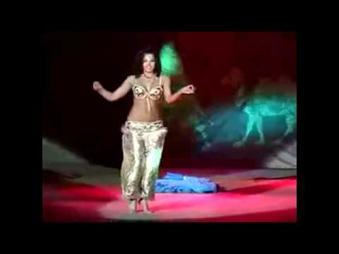 Shakira vs Aida bellydance - Amazing belly dancing