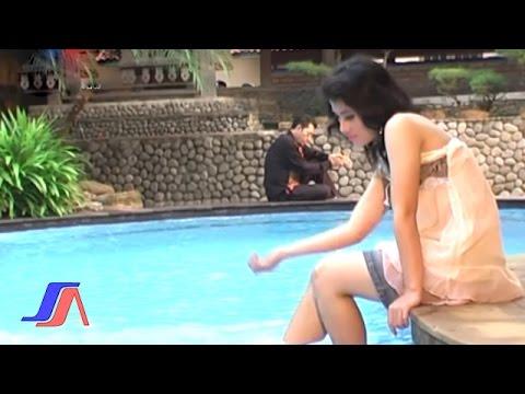 Meggi Z - Bunga Rindu  (Official Music Video)