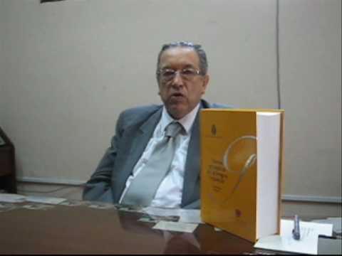 El Dr. Marco Martos invita a consultar la Nueva gramática de la lengua española
