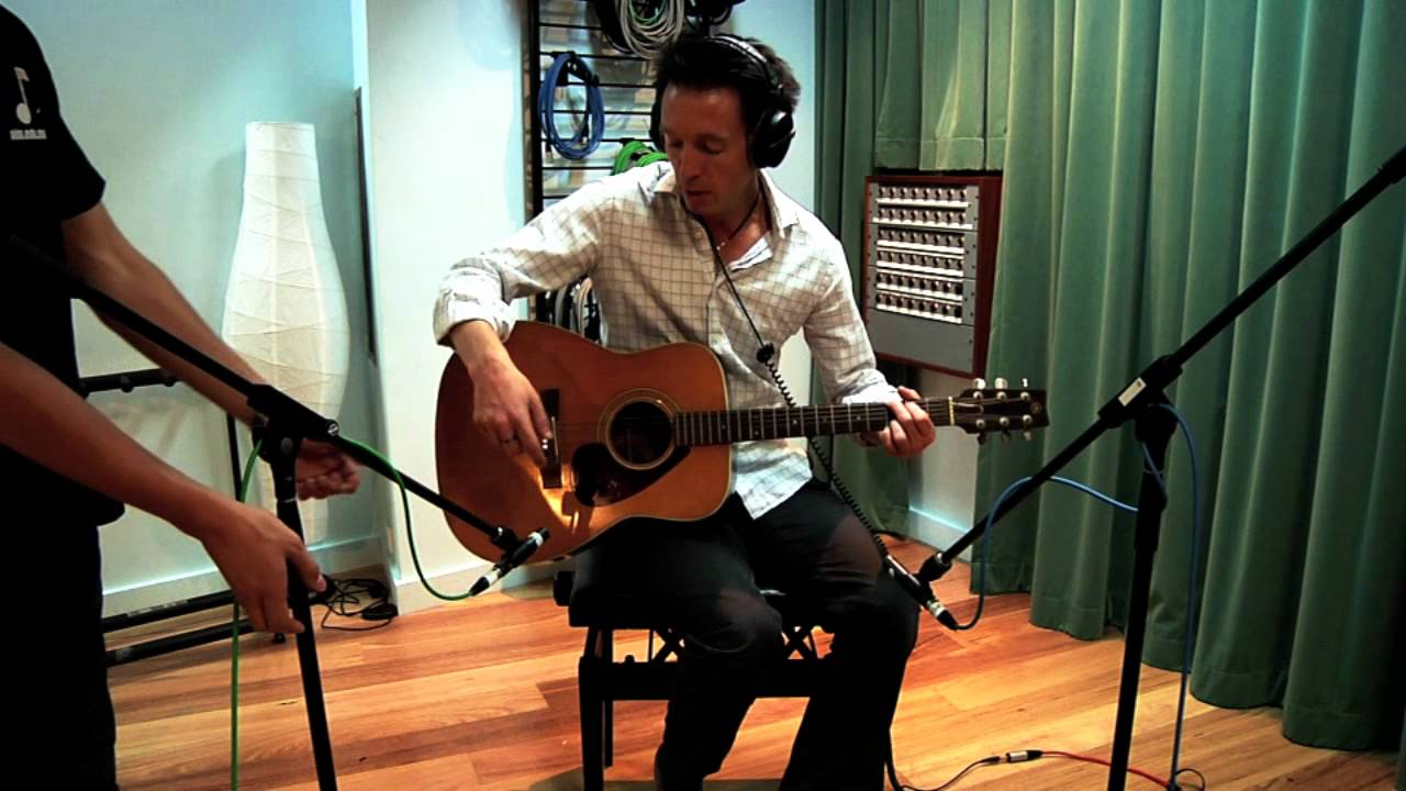 Recording an Acoustic Guitar with Multiple Microphones