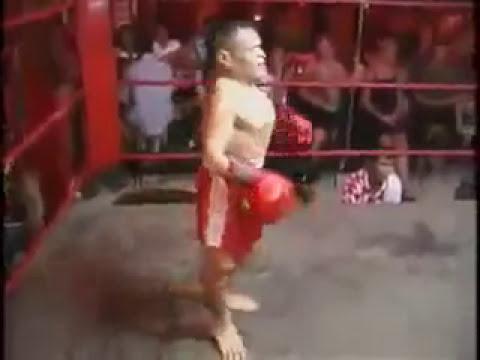 enanos peleando
