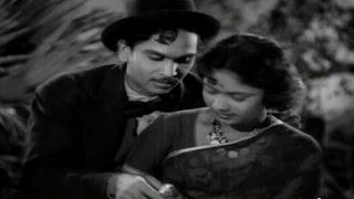 download lagu Devadasu Movie  Anr & Savitri Beautiful Love Scene gratis