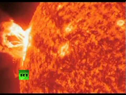 Amazing Video: Giant solar flare erupting from Sun surface
