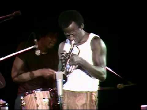 Miles Davis - Miles runs the voodooo down