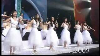 The Old 12 Girls Band 女子十二乐坊 Miracle 奇蹟 in HD white outfit