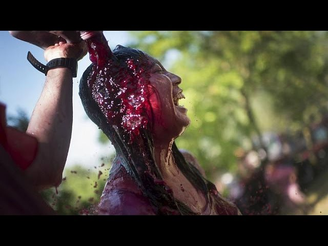 Spain: Traditional wine battle - no comment