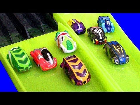 Micro Chargers 8 Car Hyper Dome Madness Race Cars Vs Stunt Cars Boy Vs Girl
