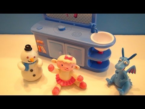 DOC MCSTUFFINS TALKIN' CHECK UP PLAYSET VIDEO TOY REVIEW WITH CHILLY LAMBY AND STUFFY