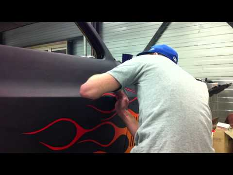 pinstriping custom truck