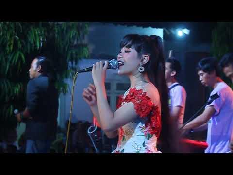 Download  Bikin terharu suara Sheila sahanaya - ayah Gratis, download lagu terbaru