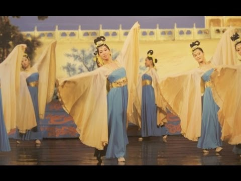 Widespread Acclaim--Detroit Premier of Shen Yun Performing Arts 2013