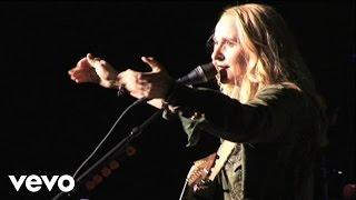 Watch Melissa Etheridge Fearless Love video