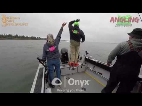 Boat crash on Columbia River