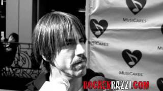 Red Hot Chili Peppers ( Anthony Kiedis )