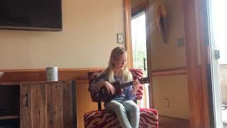 House of Gold- twenty one pilots 11 year old singing and playing ukulele