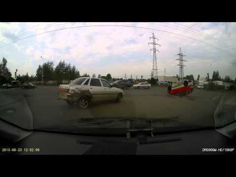Жесткое ДТП в Ярославле 23.08.2013