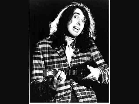 Tiny Tim - I Saw Mommy Kissing Santa Claus