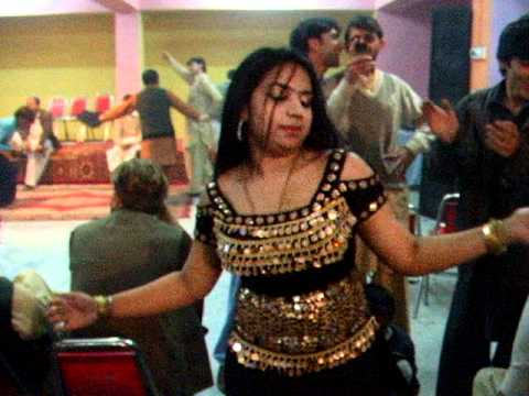 peshawari girl dancing