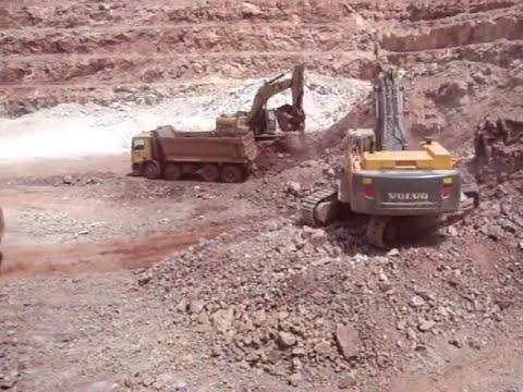Excavadoras Volvo EC700BL Y CAT 336D Carguio Tajo.