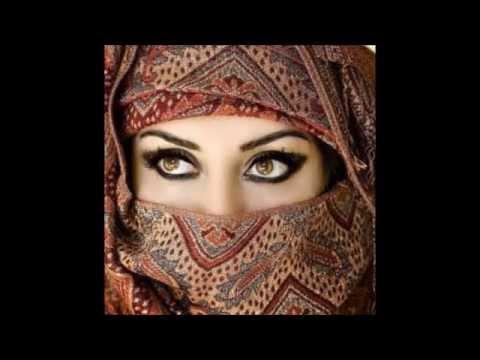 Gali me Aaj Chand Nikla....... Sung by Zareen.