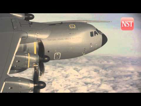 First Airbus A400M for Malaysia makes its maiden flight (Video courtesy of Airbus)