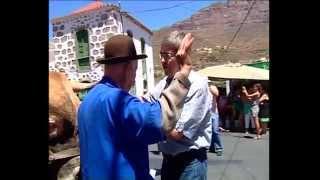 El Apóstol Santiago presidió en Tunte el paseíllo tradicional de la feria de ganado