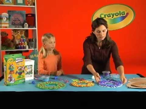 Crayola Craft - Presto Dots Wreaths
