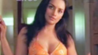 Shweta Menon at home -  Naan Avan Illai 2