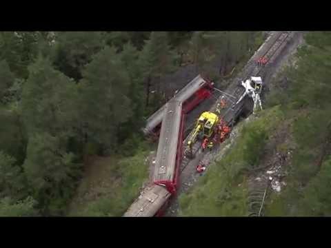 Flug über die Unfallstelle der Rhätischen Bahn bei Tiefencastel (GR)